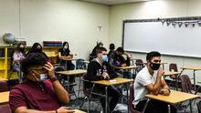 Uso de mascarillas no será obligatorio en las escuelas secundarias de Broward a partir del 1 de noviembre