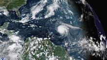 """El huracán Sam levantará olas """"potencialmente mortales"""" a lo largo de la costa este de EEUU el fin de semana"""
