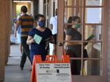 El Gobernador de Arizona firma proyecto de ley que evitará que algunos votantes reciban automáticamente boletas por correo