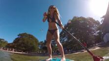 Caroline Wozniacki sorprendió a todos con este bikini mientras hacía paddle board