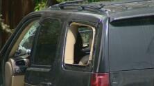 Policía busca a sospechoso que huyó tras una parada de tráfico, está armado y es considerado peligroso
