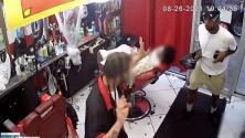 Ladrón armado asalta a un peluquero del Bronx en pleno corte de pelo