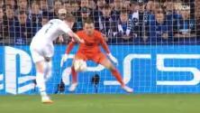 ¡Falla un 'penalti en movimiento'! De Bruyne no anota frente a Mignolet