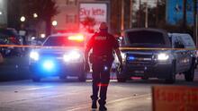 """""""Una situación muy horrible y trágica"""": la policía halla una casa con tres menores abandonados y un esqueleto"""