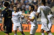 Carlos Vela vuelve a la titularidad con un gol y ya lleva 28 en esta temporada