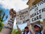Inicia batalla en corte federal para frenar ley que restringe abortos en Georgia