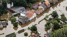 Inundaciones y casas derrumbadas: imágenes de los estragos de las lluvias en Europa