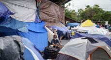 Cientos de migrantes se refugian y saturan los campamentos improvisados en la frontera norte de México