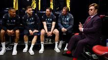 Jugadores del Watford recibieron la visita de Elton John