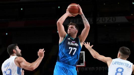 Con un sublime Luka Doncic, Eslovenia arrasó a Argentina