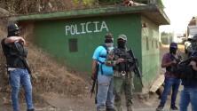 """""""Si me agarraban me iban a matar junto con mi familia"""": Miles abandonan sus hogares en México por la violencia"""