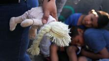 """""""Es criminal e insólito"""": congresista sobre los niños migrantes que no han sido reunificados con sus padres"""