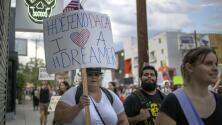 ¿Cuál es la situación actual de los dreamers y qué deben hacer para mantener la protección de DACA?