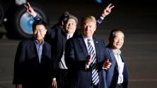 Trump recibe a los estadounidenses liberados en Corea del Norte y agradece a Kim Jong Un