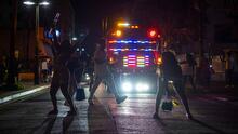 Acusan a turistas de vandalismo y no acatar medidas contra el covid-19 en Puerto Rico