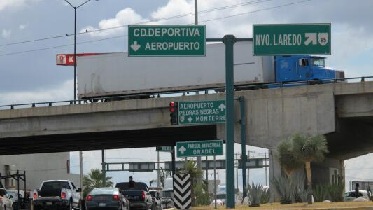 Emiten alerta de seguridad para quienes planifiquen viajar por la carretera entre Nuevo Laredo y Nuevo León