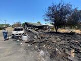 """""""Todo se quemó"""": familia hispana de Fresno pierde su casa y hasta las mascotas tras incendio"""