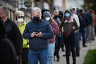 Largas filas en la capital de Pensilvania y otros condados