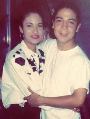 Selena y Chris Pérez