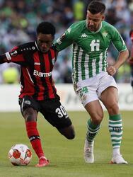 Real Betis empata ante el Bayer Leverkusen 1-1 durante la tercera Jornada de la UEFA Europa League. Borja Iglesia, con penalti, anotaba el primer tanto para los verdiblancos, pero al 82' Robert Andrich ya igualaba el marcador. El mexicano Diego Lainez ingresó en la segunda parte del encuentro.