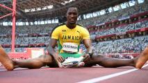 Atleta jamaicano ganó el oro en Tokyo 2020 gracias a voluntaria