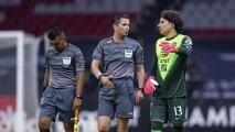 """Ochoa explotó: """"El árbitro permitió todo, hasta una fractura"""""""