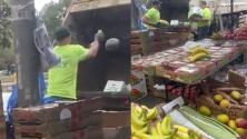 """(VIDEO) """"El Bronx es literalmente un desierto alimenticio"""": Critican a la Ciudad por destruir puesto de frutas a vendedora ambulante"""