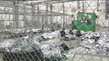 Los niños inmigrantes viven como si fueran delincuentes en los centros de detención, según informe