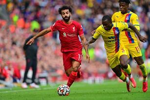 Con goles de Sadio Mané, Mohamed Salah y Naby Keita, Liverpool golea 3-0 al Southampton y son líderes solitarios a la espera de los resultados del Manchester United, Chelsea y Everton.