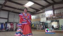 Mantienen viva su cultura mexicana