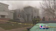 Tres bomberos resultaron heridos en incendio