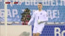 ¡TIRO ATAJADO! disparo por Oleksandr Karavayev.