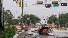 """""""Es menos el problema del que esperábamos"""": El huracán Nicholas deja inundaciones y fallas eléctricas en Texas"""
