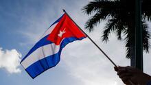 Protestan frente al consulado de México en Miami por la posición de ese país sobre la situación en Cuba