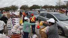 Banco de Alimentos de Houston busca a más voluntarios para apoyar las labores de distribución
