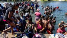 ¿Cómo han llegado tantos migrantes a Del Río, Texas, en pocos días? Esto se vive en la zona fronteriza