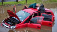 Cómo escapar de un auto en caso de inundación o de caer al agua