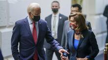 Pelosi pone un nuevo plazo para votar el plan de infraestructura; Biden prepara una reunión con legisladores