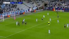 ¡Gol de la Juve! Alex Sandro abrió el marcador ante Mälmo