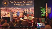 Aumentan latinos graduados de la universidad en AZ