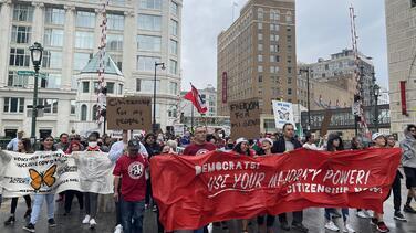 Más de 70 organizaciones piden eliminar el Título 42 y el MPP y procesar asilos en la frontera