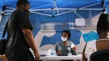 ¿Campaña efectiva? Ante el ofrecimiento de $100, miles de neoyorquinos aceptaron vacunarse contra el coronavirus
