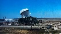 El momento en que explota el tanque de agua en Lemoore
