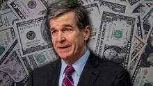 Cheques de $ 250 o $ 500 a familias de NC: el plan de Roy Cooper para utilizar los fondos federales