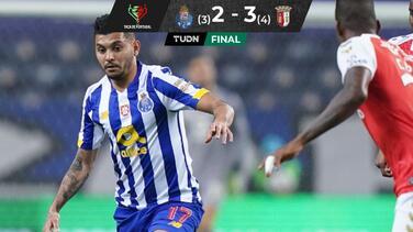 'Tecatito' da asistencia, pero eliminan al Porto de la Copa