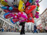 Party City cerrará 45 tiendas por crisis de escasez de helio