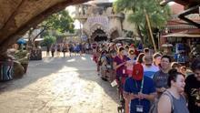 Fans de Harry Potter aguantan hasta 10 horas en fila para subirse a nueva atracción en un parque de diversiones