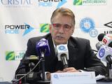 Carlos De Los Cobos ya no es más técnico de El Salvador