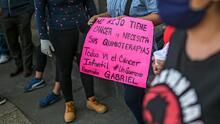 Hallan en bolsas de basura los medicamentos para niños con cáncer robados hace una semana en México