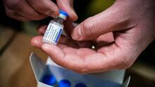 Recibí la vacuna de Johnson & Johnson, ¿debería estar preocupado por sus efectos secundarios?
